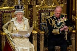 Кралица Елизабет II – любопитни факти от нейния живот (СНИМКИ)