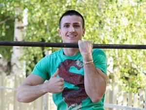 Георги Гайтанджиев счупи рекордите на Гинес по набиране на една ръка