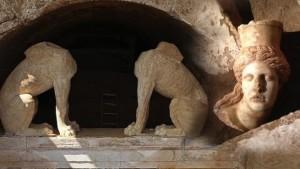 Гробницата в Амфиполис крие останките на Хефестион?