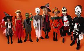 """На Хелоуин децата питат: """"Номер или лакомство?"""""""
