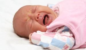 бебе плаче, съновник