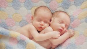 близнаци, бебета, съновник