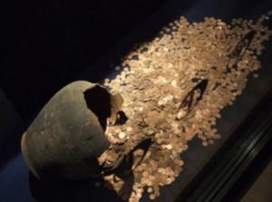 Откриха 10 тона монети в древна гробница в Китай на 2000 г.