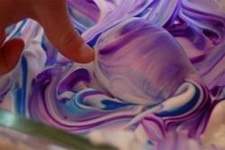 Боядисване на яйца с пяна за бръснене