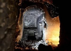 Вътрешен вид на откритата гробница на Озирис в Египет