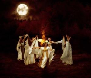 при пълнолуние се правят ритуали за сбъдване на желания