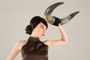 Жена, представител на зодия Телец