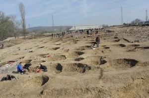 Български археолози са открили доказателства за древни тракийски жертвоприношения на деца – ритуални ями