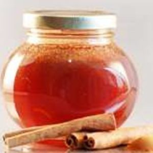 Канелата и медът са полезни за здравето.