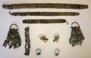 Сребърни накити от новооткритото съкровище от 17-ти век край Монтана в Северозападна България. Снимка: Национален исторически музей.