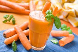 Пресният суров сок от моркови подобрява здравето и зрението, действа ефективно срещу рак, и прави кожата млада и здрава.