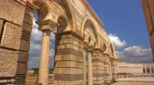 Частично реконструираната Голяма базилика в Плиска, където е открита неизвестната до скоро гробница на български княз - Боян Енравота.