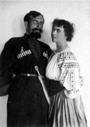 Александра Коллонтай и Дибенко през 1919 г.