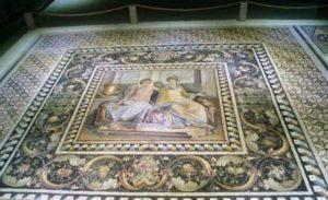 Митологичните гръцки божества Ерос и Психея – фрески открити в древния мозаечен град Зеугма.