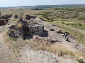 Разкопки на мястото на крепостта Русокастро.