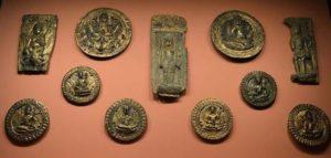 Позлатени предмети от 11-ти век.