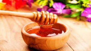 Невероятните ползи от употребата на комбинацията на мед и вода. Медът съдържа много полезни съставки, а с водата функциите му се подобряват.