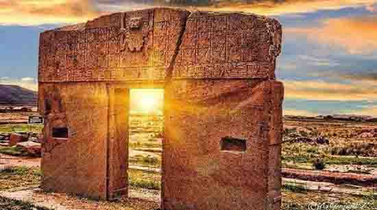 Тайнственият Портал на Слънцето в Тиахуанако, Боливия, обърква учените