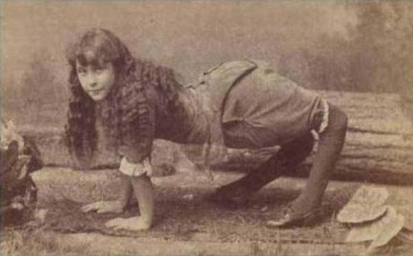 Ела Харпър – една от жените с необичайни съдби е била известна в миналото като момиче, което е ходила в детството си на екзорцист