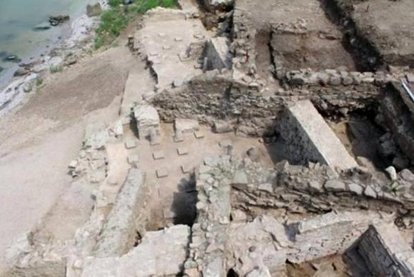 Разкопки край Русокастро, където са открити царски печат и древна реликва от гроба на Свети Йоан Богослов