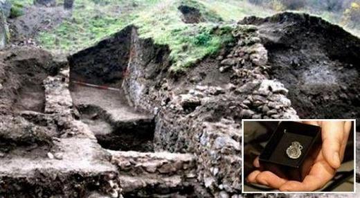 Открити са древна реликва и царски печат край Русокастро