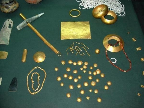 Съкровището от град Варна, която не е далеч от Солницата, е най-старото известно злато в Европа.