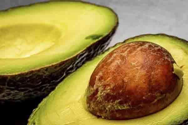 Уникалното авокадо е богато на полезна мазнина и съдържа важни за тялото витамини