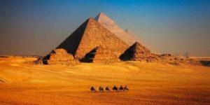 Известните в цял свят египетски пирамиди крият своите тайни и загадки за своя произход и предназначение, освен като гробници