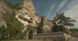 8 века духовност и българска вяра в Ивановски скални църкви